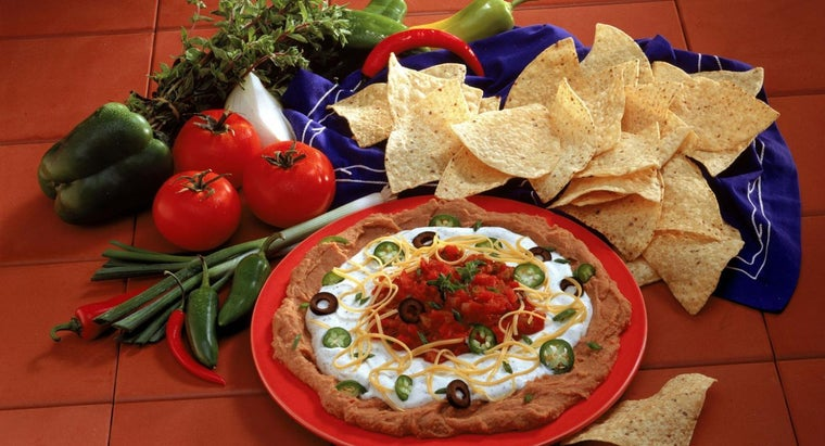 What Is an Easy Recipe for Refried Bean Dip?