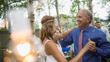 What Are Some Toast Ideas for the Father of the Bride?