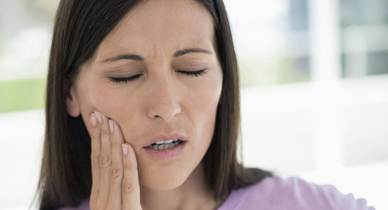 What Are Some Good Ways to Deal With Jaw Pain?
