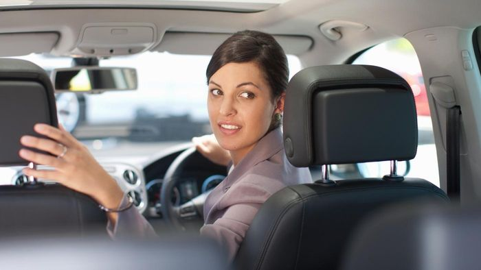 What Are Some Car Companies for Hire With Drivers in the UK?