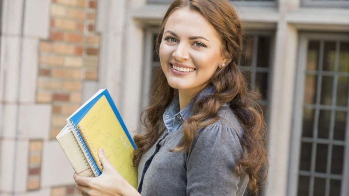 What Are the Benefits of Getting a Student Loan Through Great Lakes Higher Education Corporation?