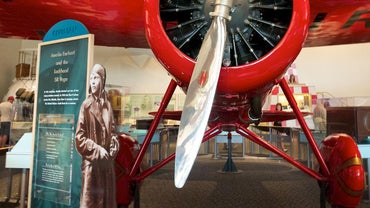 What Are Some Facts About Amelia Earhart?