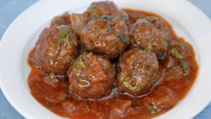 What Is the Best Meatball Sauce Recipe?