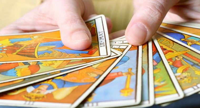 What Are the Differences Between Mediums and Psychics?