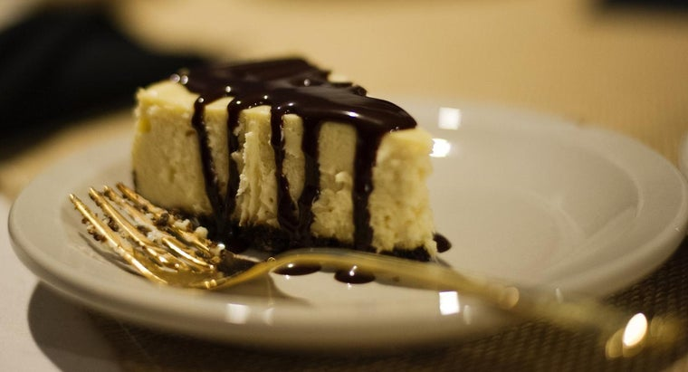 What Is an Easy Baked Cheesecake Recipe?