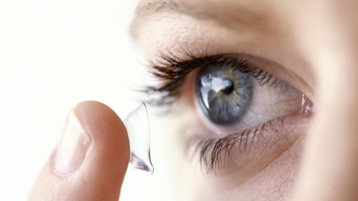 What Are Color Contacts?