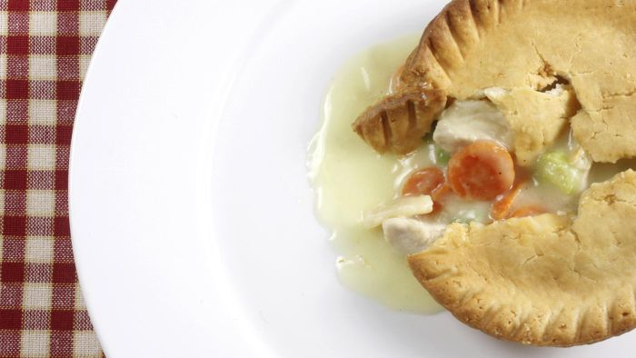 What Is an Easy Recipe for Chicken Pot Pie Crust?