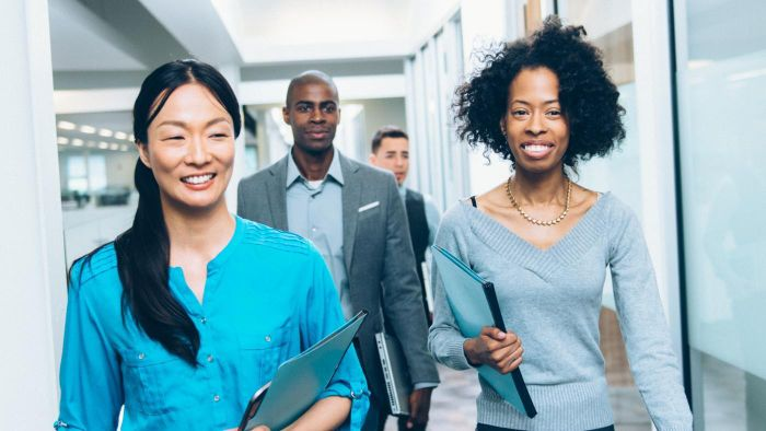 What Are Some Characteristics of Good Leadership Skills?