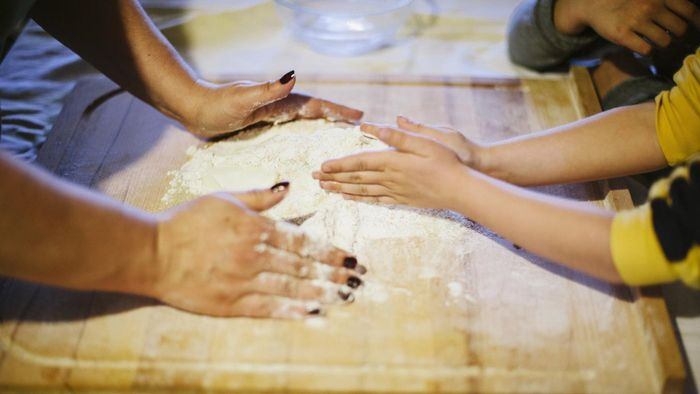 What Is an Easy Recipe for Cake Flour?