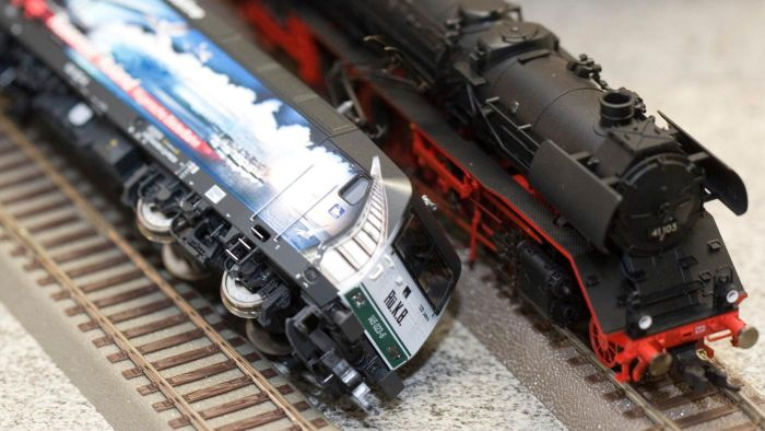 What Are Some Causes of Railroad Derailments?