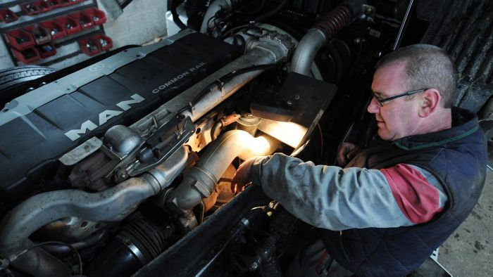 What Are Some Types of Employment for Diesel Mechanics?