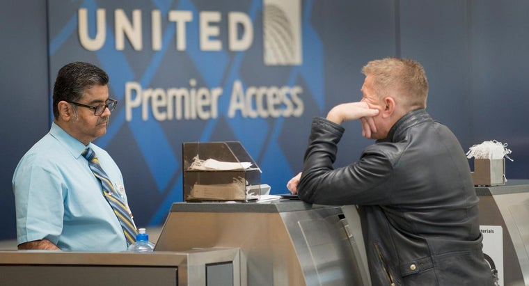 What Are Some Options for Redeeming United MileagePlus Rewards?