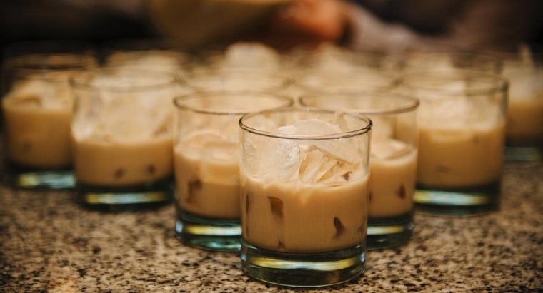 How Do You Make a White Russian?