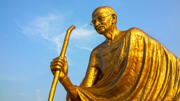 What Were the Important Events of Mahatma Gandhi's Life?