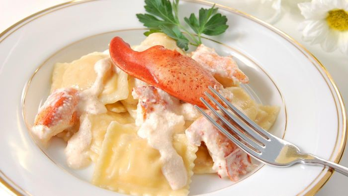 Where are some good lobster cream sauce recipes?