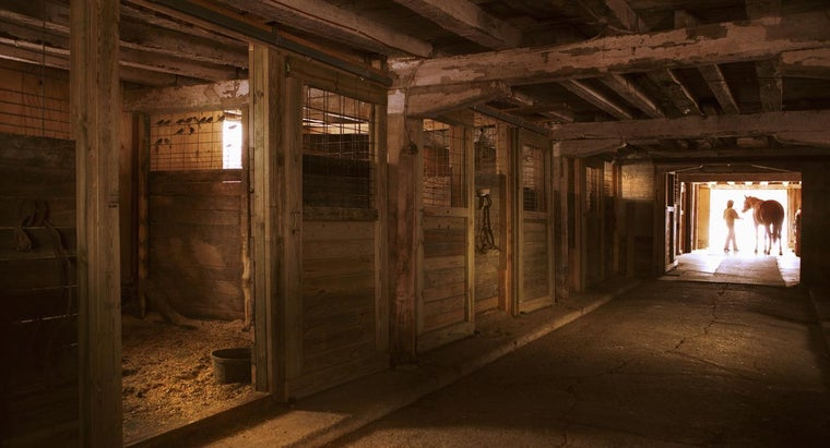 Where Can You Find Free Horse Barn Design Plans?