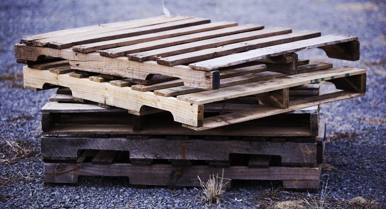 What Are Some Uses for Old Wooden Pallets?