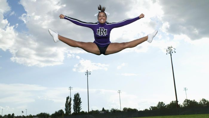 What Are Some Fun Ideas for Cheerleading Photography?