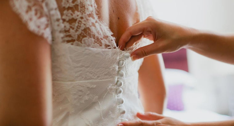 Do You Need to Have an Account to Search for Gowns Using WeddingWire's Website?