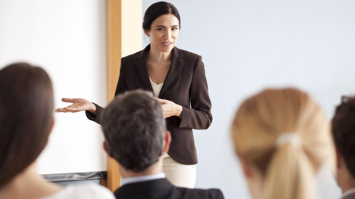 What Are Some Business Management Courses?