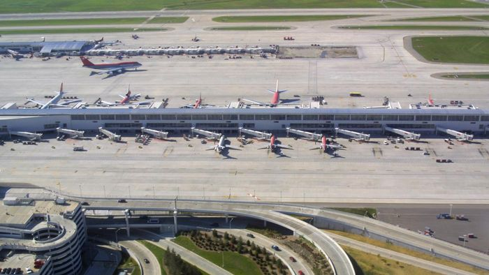 What Cheap Parking Options Are at the Detroit Airport?