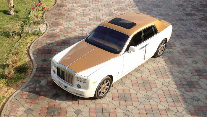 How do you rent a Rolls Royce in Miami?