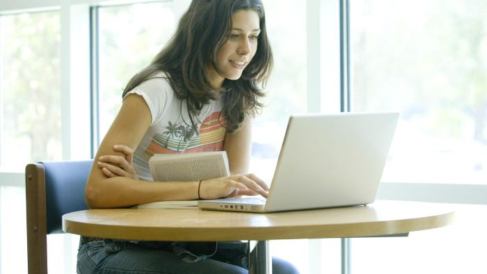 How Do You Enroll in Online High School Courses?