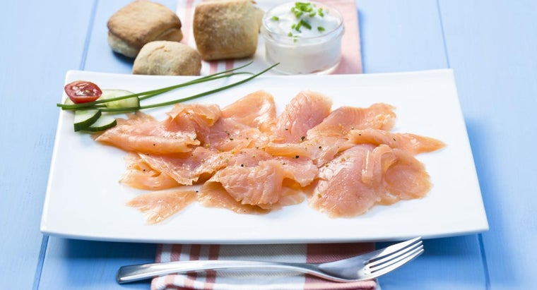 What Is a Simple Recipe for Smoked Salmon Dip?