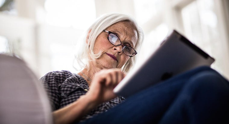 Do Most People Need Glasses After Cataract Surgery?