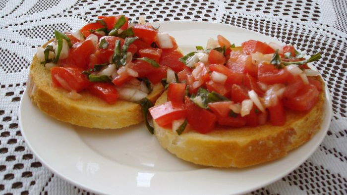 What Are Some Easy Tomato Brushchetta Recipes?
