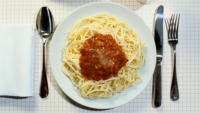 What Is an Easy Recipe for Homemade Spaghetti Sauce?