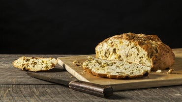 What Are Some Good Recipes for Irish Soda Bread?