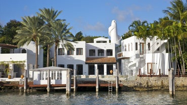What Are Some Ways to Find Available Real Estate in Florida?