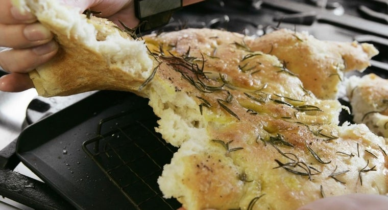 What Are Some Kinds of Italian Breads?