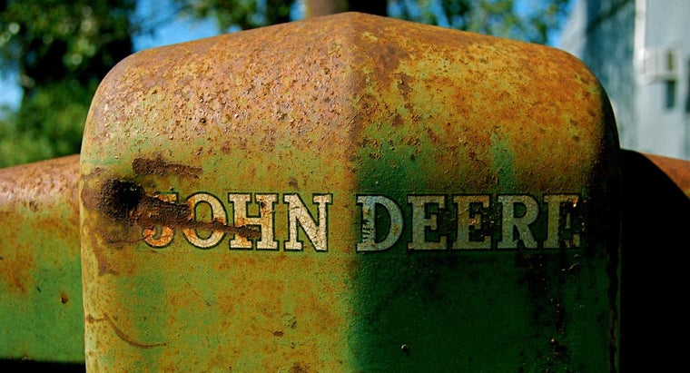 How Do You Find Antique John Deere Tractors for Sale?