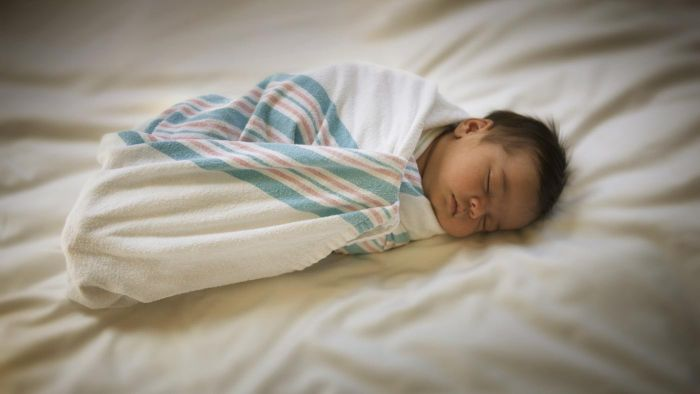 What Is the Appropriate Blanket Size for a Baby?