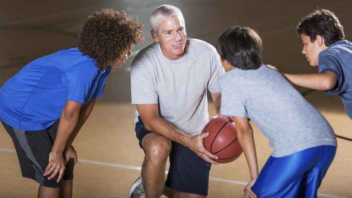 What Are Some Tips for Coaching Middle School Basketball?