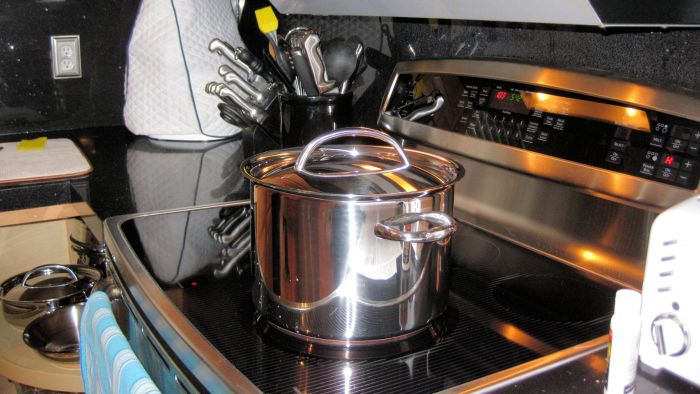 What Brand of Electric Range Uses the Least Energy?