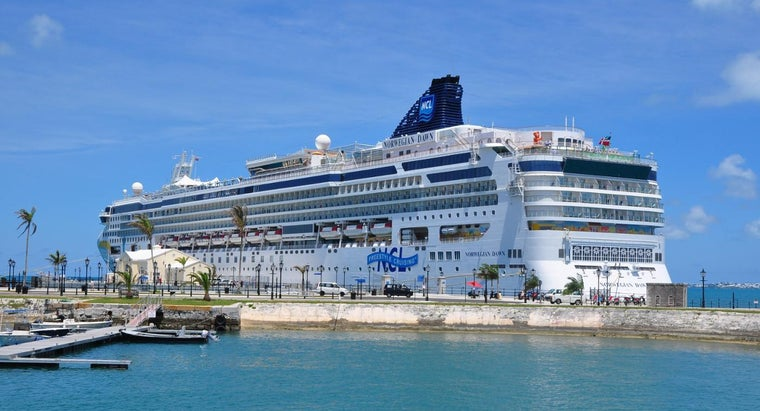 What Are Some Cruise Ships That Experts and Travelers Recommend?