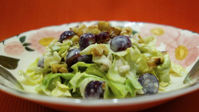 What Is an Easy Recipe for Grape Salad?