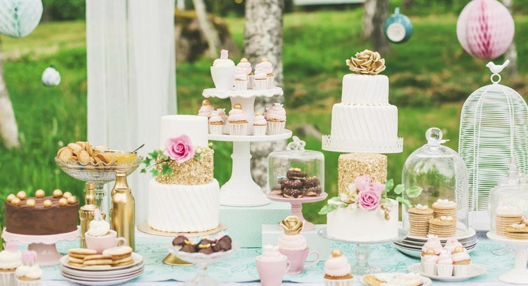 What Are Some Small Wedding Ideas on a Budget?