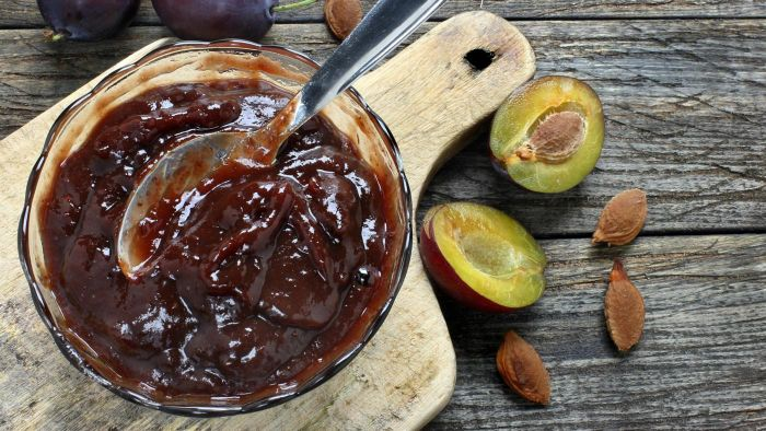 What Is a Recipe for Plum Jam?