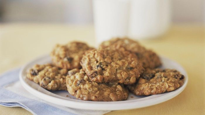 What Is an Easy Recipe for No-Bake Oatmeal Cookies?