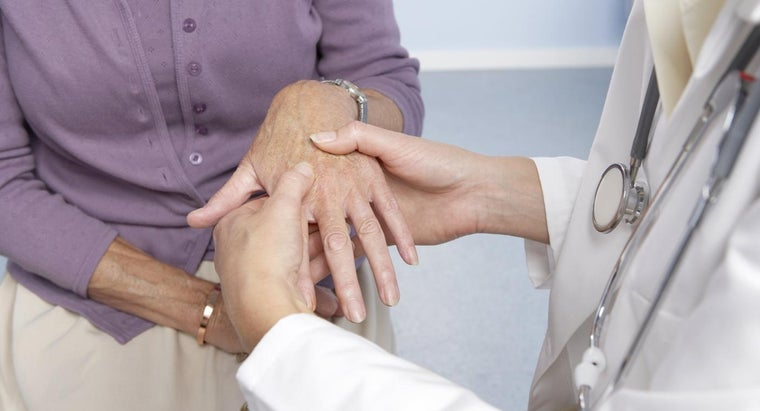What Causes Swollen Hands and Tingling Fingers?