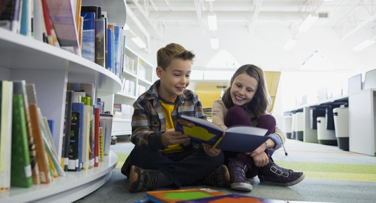 What Are Some Books for the Fourth-Grade Reading Level?