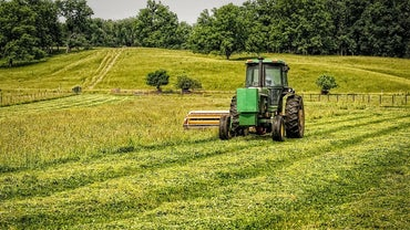 For What Is John Deere Hydraulic Oil Used?