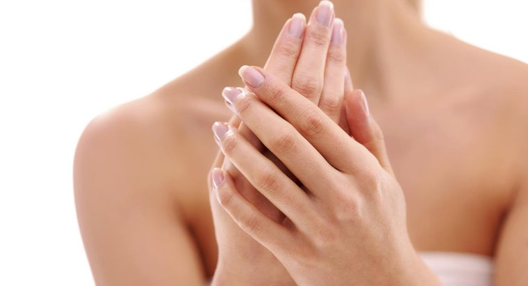 Can Split Fingernails Be Treated at Home?
