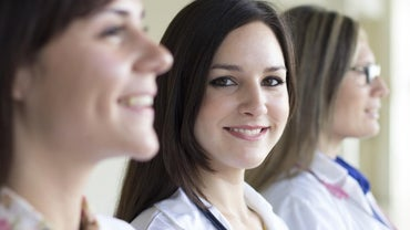 How Do You Find Grants for Nursing Students?