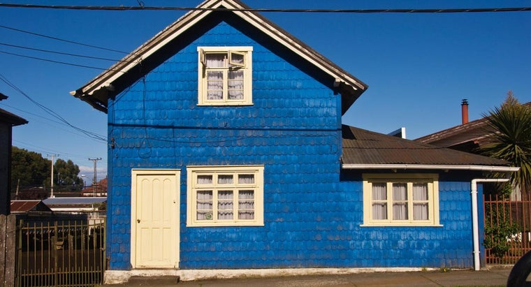 What Are Some Popular Outdoor Paint Color Schemes for Homes?