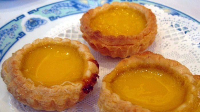 What Are Some Common Recipes for Egg Custard?